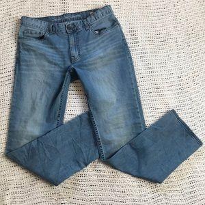 Calvin Klein 32x32 Slim Straight Light Wash Jeans
